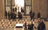TP.HCM: Khống chế nam thanh niên chém người bị thương trong tòa Landmark 81 tầng