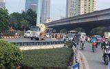 Hà Nội: Va chạm với xe bồn, hai mẹ con tử vong thương tâm