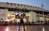 Chàng trai người Thái Lan đạp xe 1.400km đến sân Mỹ Đình cổ vũ đội nhà