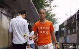 Tin thế giới - Bất chấp bị đánh, chửi, triệu phú Trung Quốc cần mẫn nhặt rác mỗi ngày suốt 4 năm