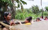 Bà Sáu Thia dạy bơi miễn phí cho hơn 2000 trẻ em suốt 17 năm