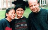 """Giáo dục pháp luật - Chạy trốn kỳ vọng của gia đình, thần đồng toán học trở thành """"gái bán hoa"""" ở tuổi 23"""