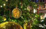 Tin thế giới - Cận cảnh cây thông Noel đắt nhất thế giới trị giá hơn 365 tỷ đồng