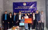 """Việc tốt quanh ta - Hà Nội: Bàn giao """"mái ấm công đoàn"""", giúp công nhân nghèo an cư"""