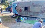 Tin trong nước - Tai nạn giao thông ở Long An: Xe chở công nhân đè chết 2 người, 11 người bị thương