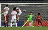 Bóng đá - Trực tiếp trận Việt Nam- Indonesia 2-0 (h1): Hùng Dũng tung cú sút quyết đoán xé lưới U22 Indonesia