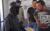 """Sự thật bất ngờ video """"giải mã gã ăn xin mặt đen"""" thu hút hơn 10 triệu view"""