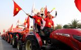 Tin trong nước - Hàng nghìn người hâm mộ đổ về Nội Bài chào đón các tuyển thủ U22 Việt Nam