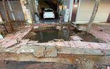 Tin trong nước - Người dân hoảng sợ khi đường ống nước bất ngờ phát nổ tạo hố sâu hơn 1m