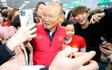 Bóng đá - Thầy trò HLV Park Hang Seo được người hâm mộ vây kín tại sân bay Hàn Quốc