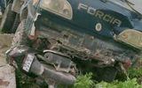 Tin trong nước - Xe tải mất lái đâm chết thầy giáo rồi lao xuống ruộng