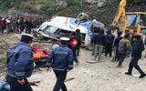 Tin thế giới - Xe buýt chở đoàn người hành hương lao xuống sườn núi dựng đứng, ít nhất 14 người thiệt mạng