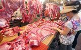 Giá thịt lợn tăng cao, bà nội trợ chuyển hướng sang hải sản