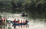 Lật thuyền chở 7 người vãn cảnh trên sông Hoàng Mai, 2 cha con thiệt mạng