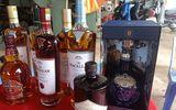 Đà Nẵng: Xe container chở hàng nghìn chai rượu ngoại không rõ nguồn gốc bị bắt giữ
