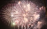Cả nước tưng bừng đón năm mới 2020 với những màn bắn pháo hoa mãn nhãn