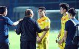 """HLV Park Hang-seo """"chỉnh"""" hàng thủ U23 Việt Nam sau trận thua Bahrain"""