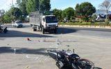 Va chạm xe tải, hai nữ sinh 16 tuổi thương vong trên đường đến trường