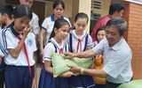 100 học sinh nghèo ở Phú Quốc được tặng hơn 2 tấn gạo ăn Tết