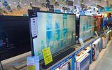 """Cao điểm mùa sắm Tết, smart TV giảm cả chục triệu đồng để """"hút"""" khách"""