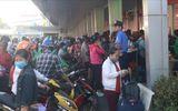 Tin trong nước - Hàng chục nghìn người đổ xô về bến xe miền Tây trong ngày 28 Tết