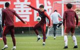 Tin thế giới - Cầu thủ Trung Quốc không được về quê ăn Tết vì virus corona