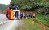 Tin trong nước - Thái Nguyên: Lật xe buýt, hành khách hoảng loạn đập cửa kính thoát thân