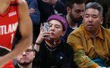 """G-Dragon bị chê nhan sắc """"xuống cấp"""" khi xem bóng rổ tại Mỹ"""