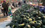 """Giá nông sản xuất khẩu Trung Quốc rớt thảm vì """"tắc đường"""", hai bộ họp khẩn bàn cách giải cứu"""
