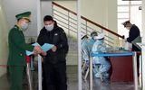 Được vận động, gần 500 người Trung Quốc xếp hàng chờ nhập cảnh vào Việt Nam quay về nước