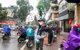 Khắc Việt tự bỏ tiền mua 30.000 khẩu trang phát miễn phí cho người dân