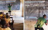 Thầy giáo dạy Word cho học sinh nghèo trên bảng đen và hành động bất ngờ từ tập đoàn Microsoft
