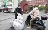 Việc tốt quanh ta - Du học sinh dùng tiền túi mua khẩu trang tặng người dân