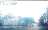 Ôtô - Xe máy - Video: Con ngựa mất kiểm soát đâm móp cả ô tô đang chạy trên đường