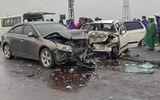 Hai ô tô va chạm kinh hoàng, 6 người nhập viện