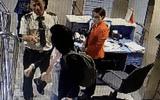 Nữ hành khách cắn nhân viên hàng không vì bị phạt quá cân hành lý