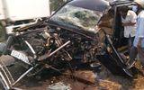 Tin tai nạn giao thông mới nhất ngày 2/3/2020: Ô tô 7 chỗ bị tông bẹp dúm, tài xế mắc kẹt trong cabin
