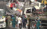 Video: Hiện trường ớn lạnh vụ xe tải tông đuôi container, 3 người tử vong