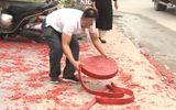 Vụ đốt pháo đỏ đường trong đám cưới ở Hà Nội: Bố chú rể nói điều bất ngờ