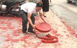 Vụ đốt pháo đỏ đường trong đám cưới ở Hà Nội: Một nghi phạm đang bỏ trốn
