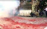 Vụ đốt pháo đỏ đường trong đám cưới ở Hà Nội: Cần xử lý nghiêm hành vi coi thường pháp luật