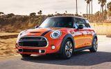 Bảng giá xe Mini Cooper mới nhất tháng 3/2020: Mini One 5 Door niêm yết 1,529 tỷ đồng