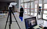 Vượt qua đỉnh dịch Covid-19, Trung Quốc mở cửa trường học chào đón học sinh quay trở lại