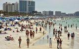 Bất chấp dịch Covid-19 bùng phát, bãi biển, quán bar ở Mỹ vẫn đông nghẹt khách
