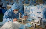 """Tin thế giới - Sản xuất khẩu trang tại Trung Quốc: Những chiếc """"máy in tiền"""" giữa đại dịch Covid-19"""