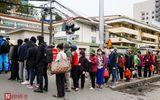 Sức khoẻ - Làm đẹp - Bệnh nhân bệnh viện Bạch Mai xếp hàng dài làm thủ tục chạy thận