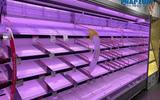 Kinh doanh - Người dân Hà Nội lại đổ xô đi mua hàng hóa, lương thực sau yêu cầu cách ly toàn xã hội