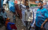 Tin thế giới - Tình thế khó khăn của những lao động nhập cư tại khu ổ chuột Ấn Độ giữa đại dịch Covid