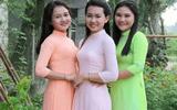 """Đời sống - Bức ảnh 3 người phụ nữ mặc áo dài khiến dân mạng """"hoa mắt"""" khi xác định đâu là mẹ đâu là con"""