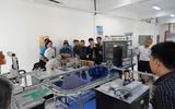 Xã hội - Học về robot, lấy bằng quốc tế